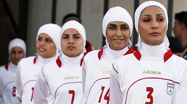 Un consejero de la ONU, favorable al niqab en el fútbol femenino