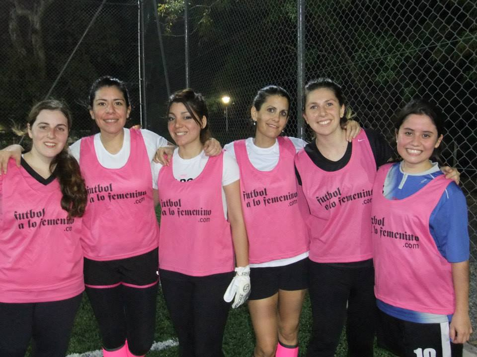 Futbol a lo femenino