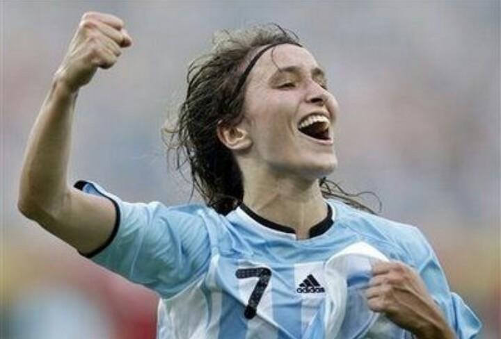 Historias de una jugadora de Selección: de San Pedro al Fútbol Club Barcelona