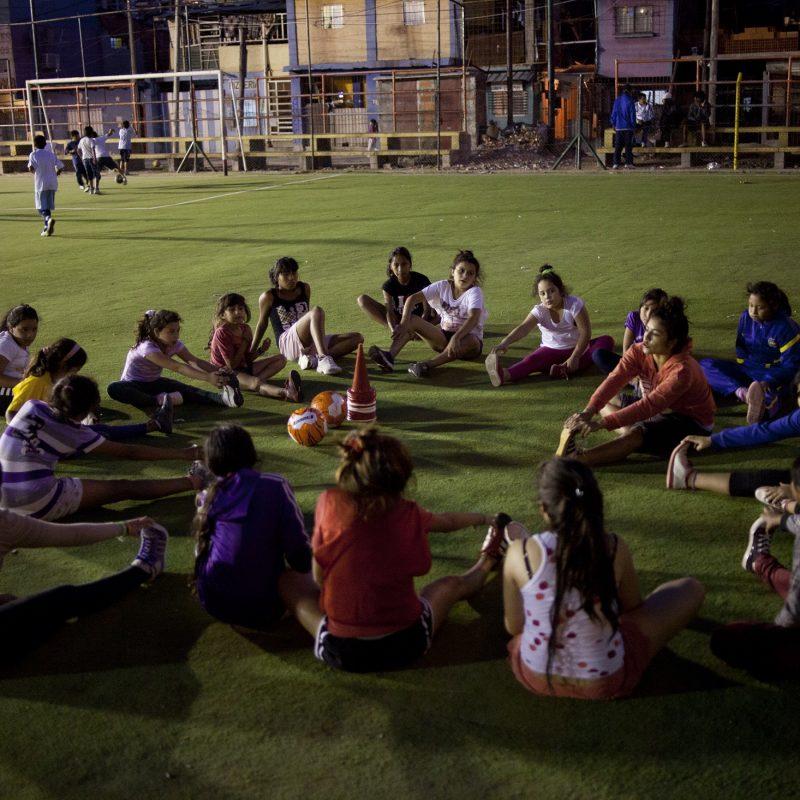 Entrenadora de fútbol femenino, DT nacional y jugadora