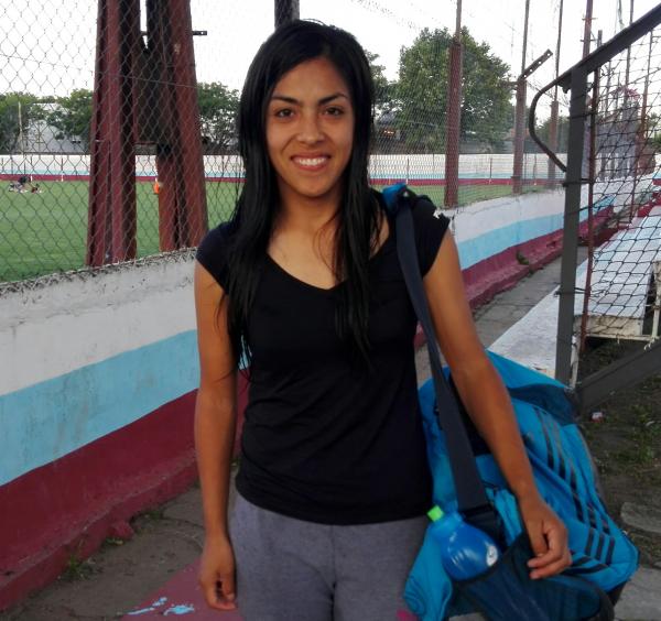 Vivir al límite por el fútbol femenino