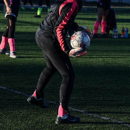 ¿Qué guantes eligen las arqueras de Fútbol Femenino?