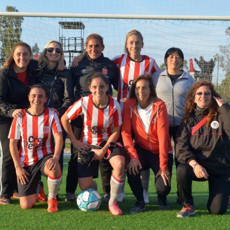 Bettina Stagñares: Leyenda del Fútbol Femenino de Estudiantes